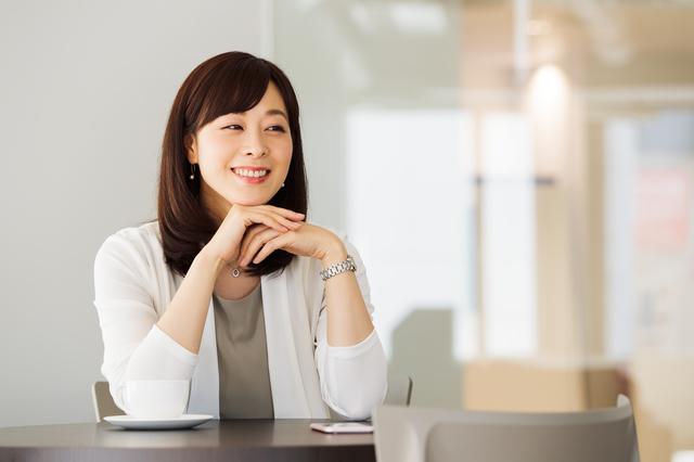 40代の笑顔の女性